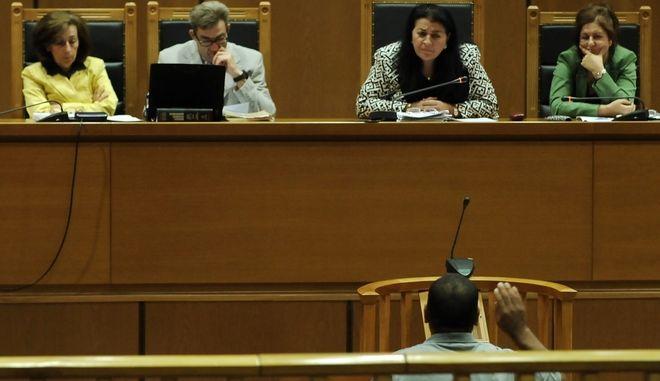 Ο Αιγύπτιος αλιεργάτης Αμπουσίντ Εμπάρακ καταθέτει στη δίκη της Χρυσής Αυγής