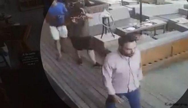 """Μύκονος: Επεισόδιο στο εστιατόριο με τα """"χρυσά"""" καλαμαράκια - """"Είσαι κλέφτης και απατεώνας"""""""