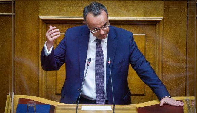 Ο Χρήστος Σταϊκούρας από το βήμα της Βουλής