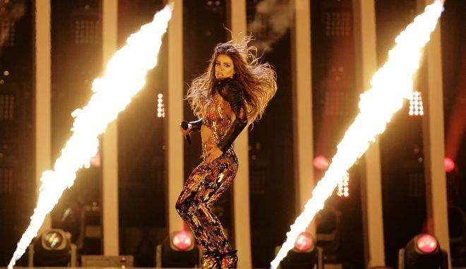 Η Ελένη Φουρέιρα στη σκηνή της Eurovision, βάζει κυριολεκτικά φωτιές