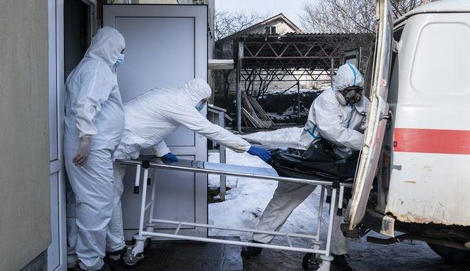 Νοσηλευτές σε νοσοκομείο της Ουκρανίας (φωτογραφία αρχείου)