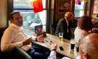 Σε παμπ του Λονδίνου είδε το Γαλλία - Βέλγιο ο Αλέξης Τσίπρας