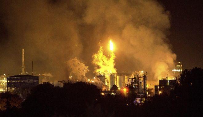 Φωτιά σε εργοστάσιο χημικών στη Ταραγόνα