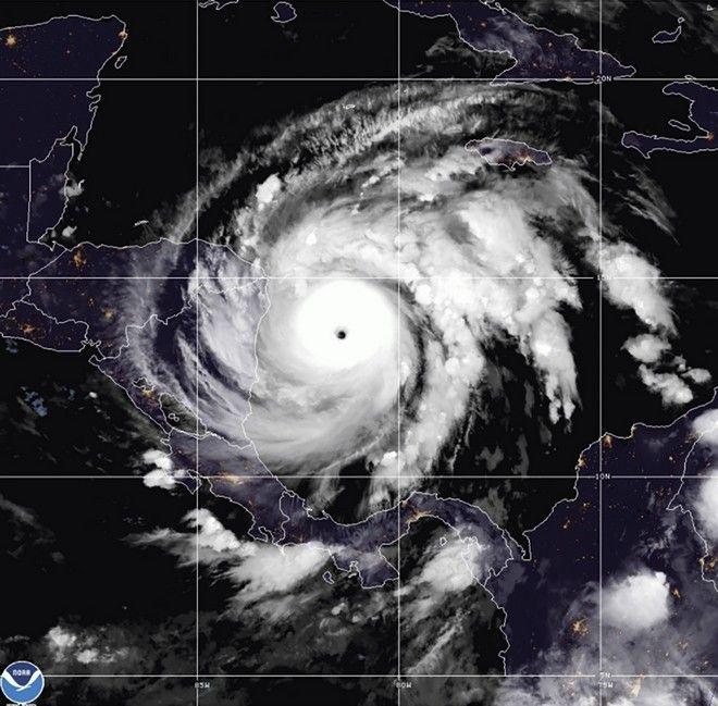 Καταστροφές απ΄τον κυκλώνα Γιώτα