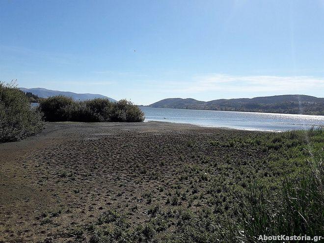 'Στέγνωσε' η λίμνη της Καστοριάς