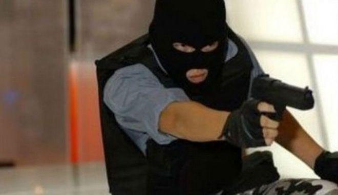 Ηράκλειο: Συνελήφθη ο ληστής που σκόρπισε τον τρόμο σε πρακτορείο ΟΠΑΠ