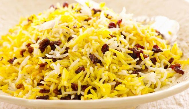 14867966 - persian saffron rice with berberis