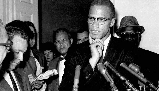 Ο Malcolm X μιλά στους δημοσιογράφους το 1963