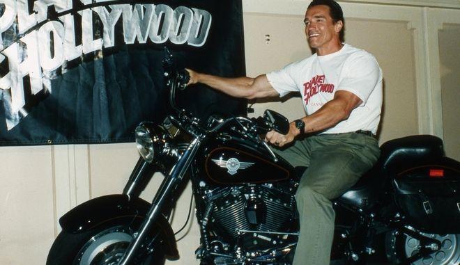 Ο Arnold Schwarzenegger και η θρυλική Harley Davidson