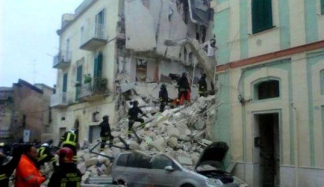 Κατέρρευσε πολυκατοικία στην Κάτω Ιταλία - Σε εξέλιξη επιχείρηση απεγκλωβισμού δύο ατόμων