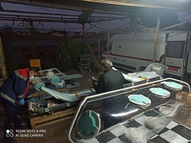 Κορονοϊός: Με C-130 έφτασαν διασωληνωμένοι ασθενείς από τη Βόρεια Ελλάδα στην Αθήνα