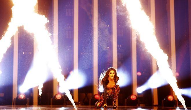Η Ελένη Φουρέιρα στη σκηνή του Altice Arena στη Λισαβόνα