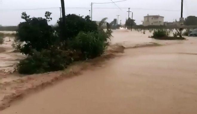 Πλημμύρες στην Κόρινθο αργά το απόγευμα