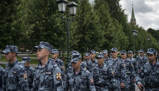Ρώσοι στρατιώτες στη Μόσχα