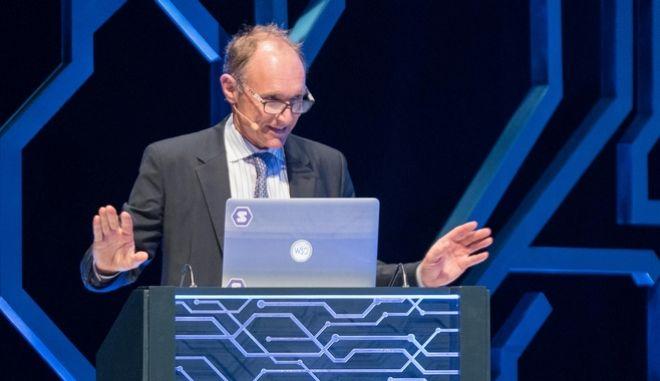 Ο Sir Timothy Berners-Lee, εφευρέτης του World Wide Web (www)