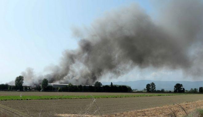 Πυρκαγιά στο εργοστάσιο μπαταριών της Sunlight, στο Όλβιο Ξάνθης