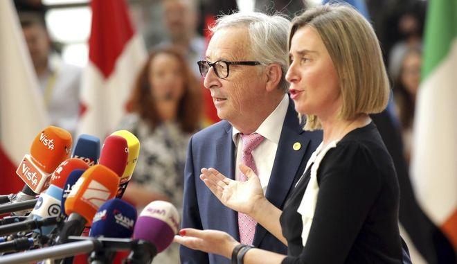 Η Επίτροπος Φεντερίκα Μογκερίνι σε κοινές δηλώσεις με τον Πρόεδρο της Κομισιόν Ζαν Κλοντ Γιούνκερ