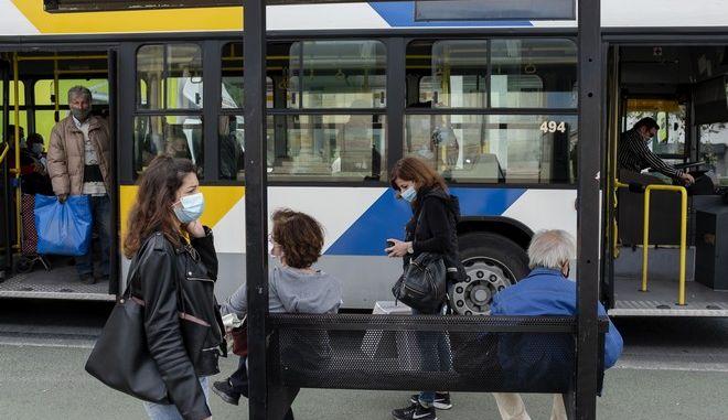 Ο περαιτέρω περιορισμός της κυκλοφορίας αποτελεί ένα επικείμενο μέτρο για την αναχαίτιση της επιδημίας κορονοϊού.