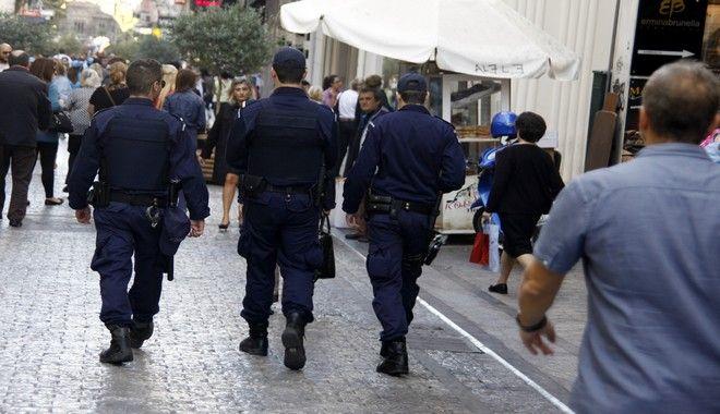 Περιπολίες αστυνομικών στο κέντρο της Αθήνας