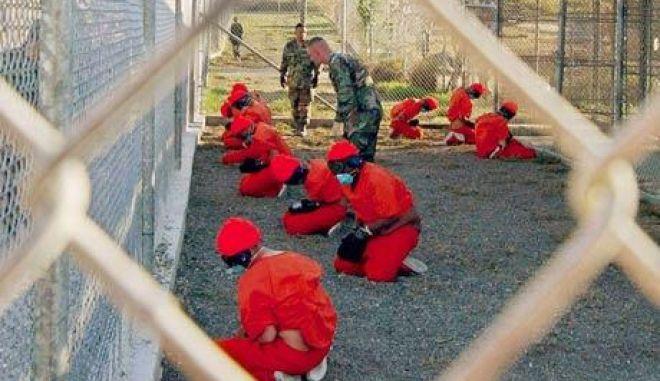 Πρώην στρατηγοί ζητούν το κλείσιμο του Γκουαντάναμο