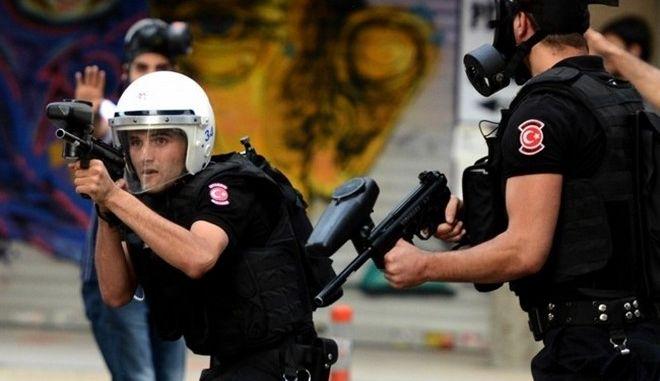 Άγρια καταστολή εναντίον διαδηλωτών στην Κωνσταντινούπολη