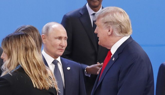 Ο Ρώσος πρόεδρος Βλαντίμιρ Πούτιν και ο Αμερικανός ομόλογός του Ντόναλντ Τραμπ σε συνάντηση των G20 στο Μπουένος Άιρες τον Νοέμβριου του 2018