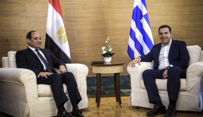 Ο Πρόεδρος του ΣΥΡΙΖΑ - Προοδευτική Συμμαχία, Αλέξης Τσίπρας με τον Πρόεδρο της Αιγύπτου, κ. Αμπντούλ Φατάχ αλ Σίσι.