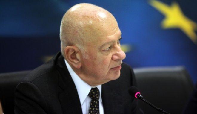 Παράδοση παραλαβή στο υπουργείο Οικονομίας και Ανάπτυξης την Δευτέρα 7 Νομεβρίου 2016. Ο Γιώργος Σταθάκης παρέδωσε στον νέο υπουργό Δημήτρη Παπαδημητρίου, παρουσία του αναπληρωτή υπουργού Οικονομίας Αλέξανδρου Χαρίτση και του υφυπουργού Οικονομίας Στέργιου Πιτσιόρλα. (EUROKINISSI/ΓΙΑΝΝΗΣ ΠΑΝΑΓΟΠΟΥΛΟΣ)
