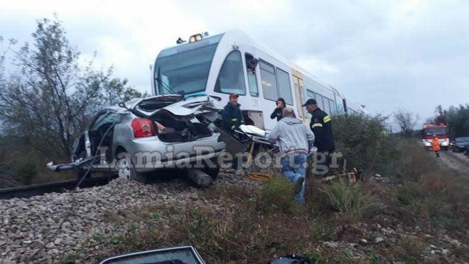 Τροχαίο με τρένο: Καθηγητές και ιερέας στο όχημα - Νεκρή η διευθύντρια