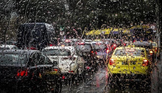 Βροχή στην Αθήνα την Πέμπτη 15 Φεβρουαρίου 2018. (EUROKINISSI/ΓΙΩΡΓΟΣ ΚΟΝΤΑΡΙΝΗΣ)