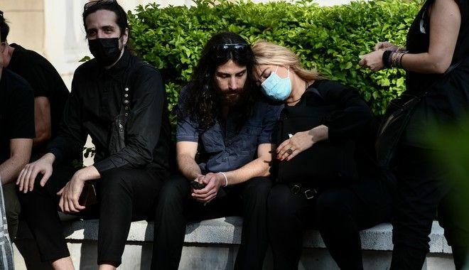 Η Αθήνα αποχαιρετά τον Μίκη Θεοδωράκη, η Κρήτη τον υποδέχεται