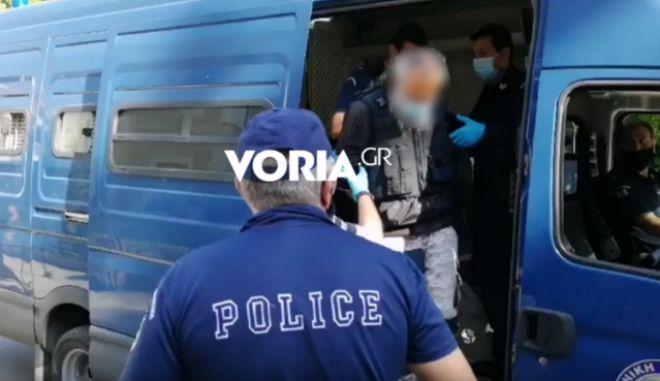 Επίθεση με τσεκούρι στην Κοζάνη: Διακόπηκε η δίκη, αποδοκιμασίες κατά του 45χρονου