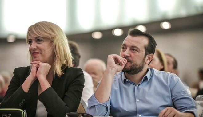 Η Ρένα Δούρου και ο Νίκος Παππάς στην Κεντρική Επιτροπή του ΣΥΡΙΖΑ