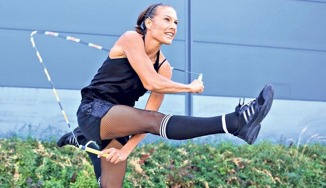 Δεν θα πιστέψεις τι κάνει η Adrienn Banhegyi με ένα σχοινάκι