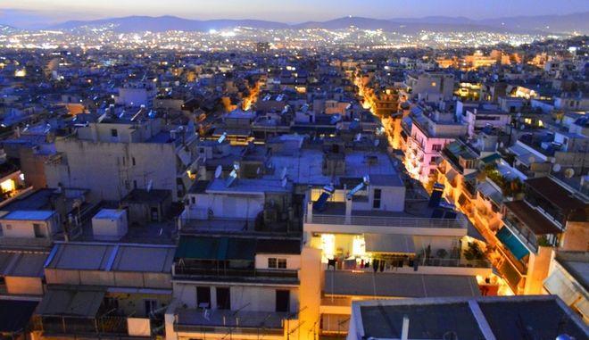 H Αθήνα θυμάται και μιλάει: 'Από την Κυψέλη έβλεπα την θάλασσα, τώρα το καζανάκι του απέναντι'