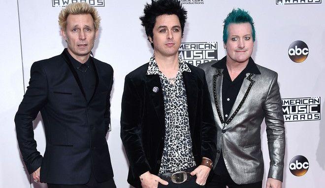 Επικρίσεις στους Green Day για το θάνατο ακροβάτη. Τι λένε οι ίδιοι
