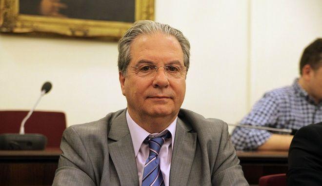 Ακρόαση από τα μέλη της Επιτροπής Δημοσίων Επιχειρήσεων, Τραπεζών, Οργανισμών Κοινής Ωφελείας και Φορέων Κοινωνικής Ασφάλισης, των Κωνσταντίνου Παπαδόπουλου(φωτό) και Ιωάννη Μπενίση, προτεινομένων από τον Αναπληρωτή Υπουργό Οικονομίας, Υποδομών, Ναυτιλίας και Τουρισμού Χρήστο Σπίρτζη, για διορισμό στις θέσεις του Προέδρου και του Διευθύνοντος Συμβούλου της Ε.ΥΔ.Α.Π. Α.Ε., την τρίτη 30 Ιουνίου 2015. (EUROKINISSI/ΓΙΩΡΓΟΣ ΚΟΝΤΑΡΙΝΗΣ)