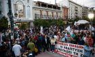 Συγκέντρωση διαμαρτυρίας στο Πασαλιμάνι του Πειραιά οργάνωσε το ΠΑΜΕ για τη ρύπανση του Σαρωνικού. Τετάρτη 27 Σεπτεμβρίου 2017.(EUROKINISSI / ΣΤΕΛΙΟΣ ΜΙΣΙΝΑΣ)