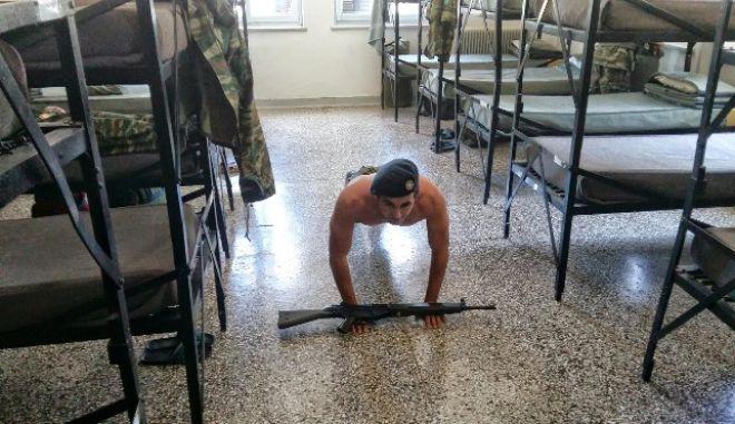 Πώς η εκπαίδευση στον Ελληνικό Στρατό τον βοήθησε να σώσει γυναίκα που πνιγόταν στον Τάμεση