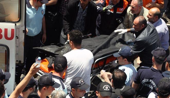 Καρέ από τη διπλή επίθεση στην Ρεϊχανλί της Τουρκίας το 2013