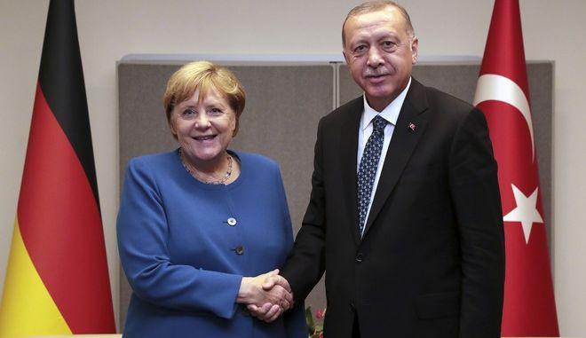 Η Μέρκελ μαζί με τον Ταγίπ Ερντογάν