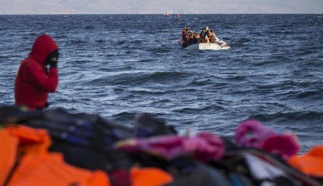 Γκέραλντ Κνάους: Αν η Ελλάδα αποσταθεροποιηθεί λόγω προσφυγικού, το ίδιο θα συμβεί σε όλη την Ευρώπη