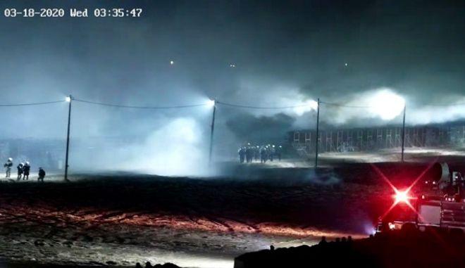 Έβρος: Ένταση προκάλεσαν μετανάστες και Τούρκοι αστυνομικοί τα ξημερώματα στον φράχτη
