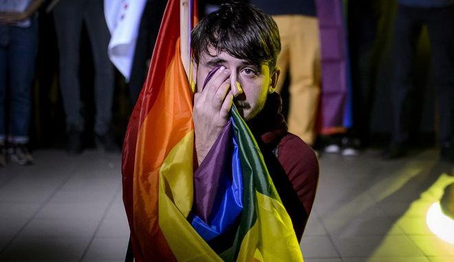 Στόχος του δημοψηφίσματος στη Ρουμανία ήταν η εγγραφή στο Σύνταγμα της χώρας, της απαγόρευσης του γάμου των ομοφύλων