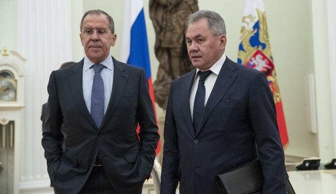 Ο επικεφαλής της ρωσικής διπλωματίας Σεργκέι Λαβρόφ και ο ομόλογος του της Άμυνας Σεργκέι Σόιγκου