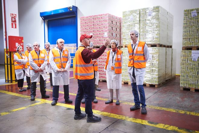 Μπακογιάννης και Smith στο Mega Plant της Coca Cola 3E στο Σχηματάρι