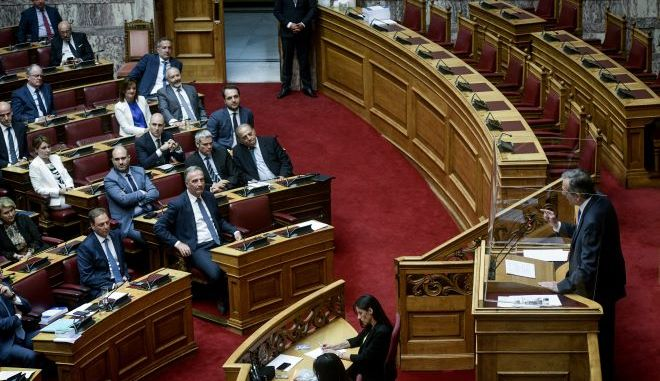 """Βουλή: Σχέδιο ελέγχου των """"Σαμαρικών"""" η επιστολική ψήφος;"""