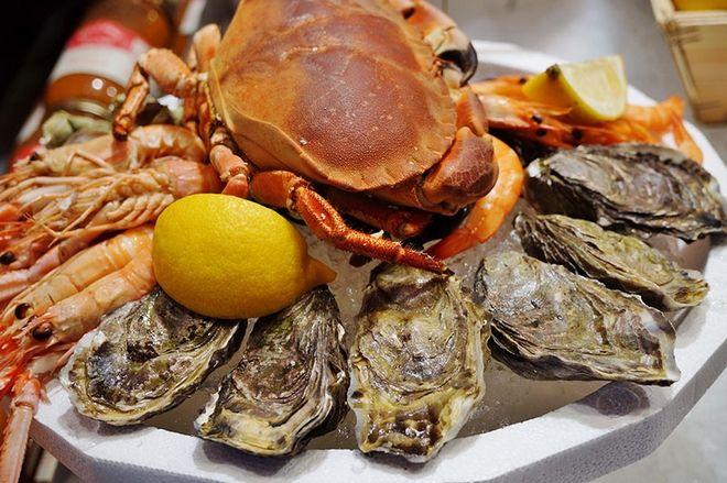 Η κουζίνα της Βρετάνης είναι η κουζίνα  της υπαίθρου και της θάλασσας