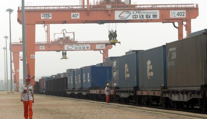 Λιμάνι στην Κίνα. Φωτο αρχείου.