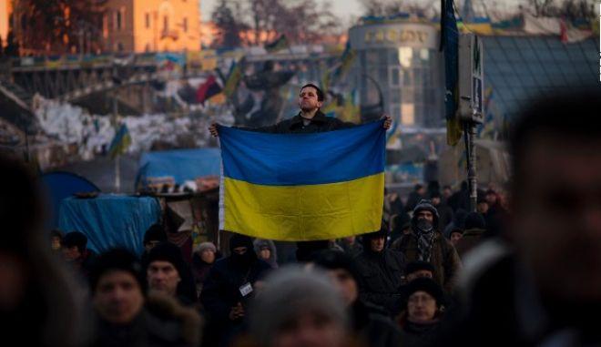 """""""Φλέγεται"""" το Κίεβο. Συγκρούσεις διαδηλωτών με δυνάμεις ασφαλείας"""